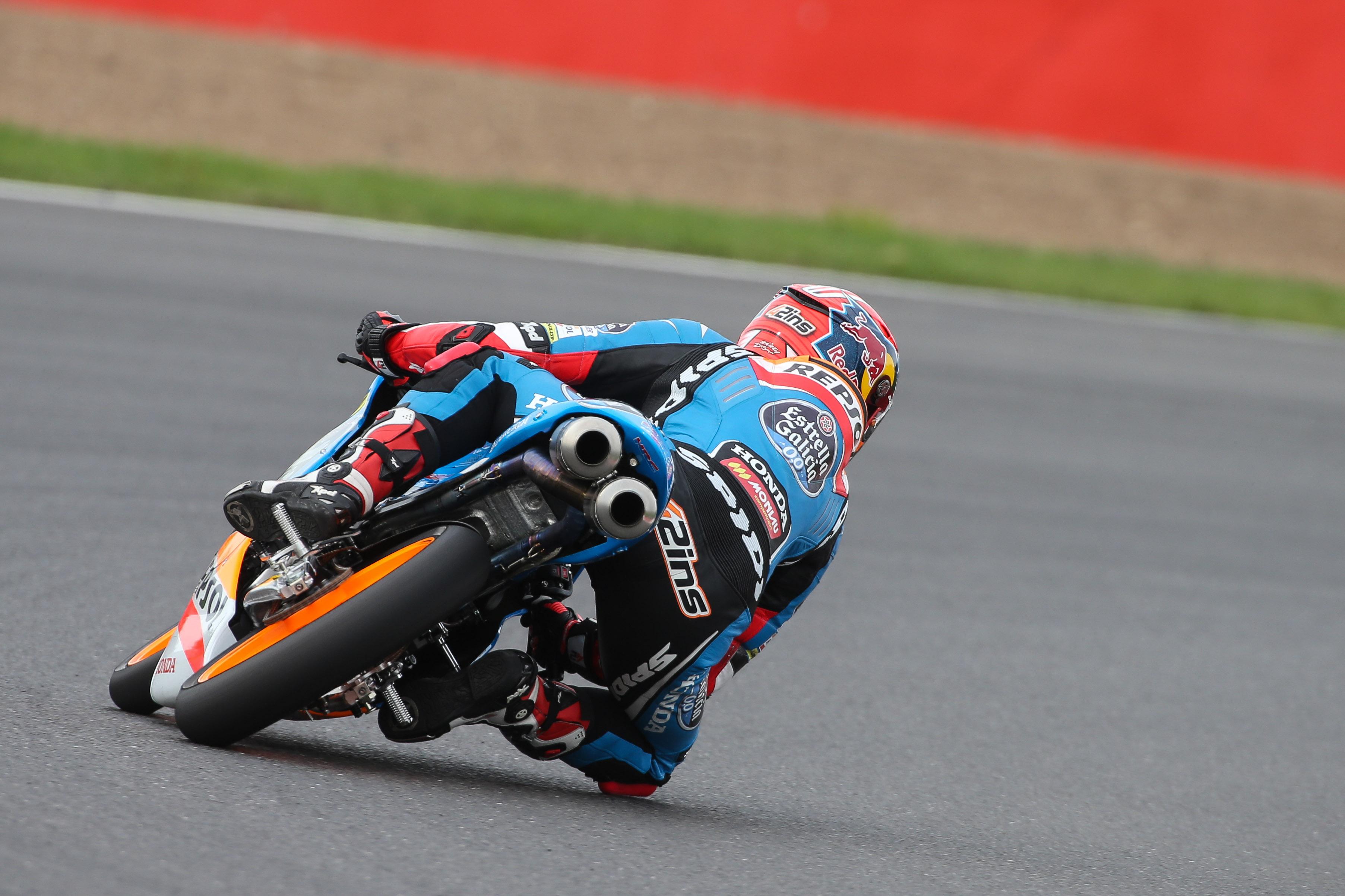 Rins mira hacia adelante tras el error de Brno