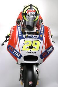 16-Ducati_MotGP_Team_2015_53_Iannone