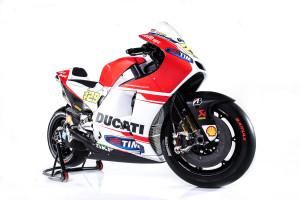 32-Ducati_MotGP_Team_2015_37_Iannone