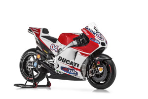 34-Ducati_MotGP_Team_2015_35_Dovizioso