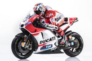 46-Ducati_MotGP_Team_2015_23_Dovizioso