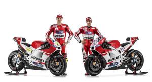 68-Ducati_MotGP_Team_2015_01