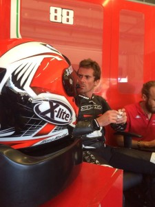 Nico en el box de MV Agusta en jerez Foto: Xavi Pérez