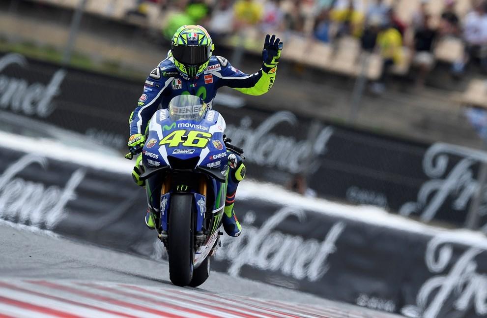 Rossi vence a Márquez en el tributo a Salom