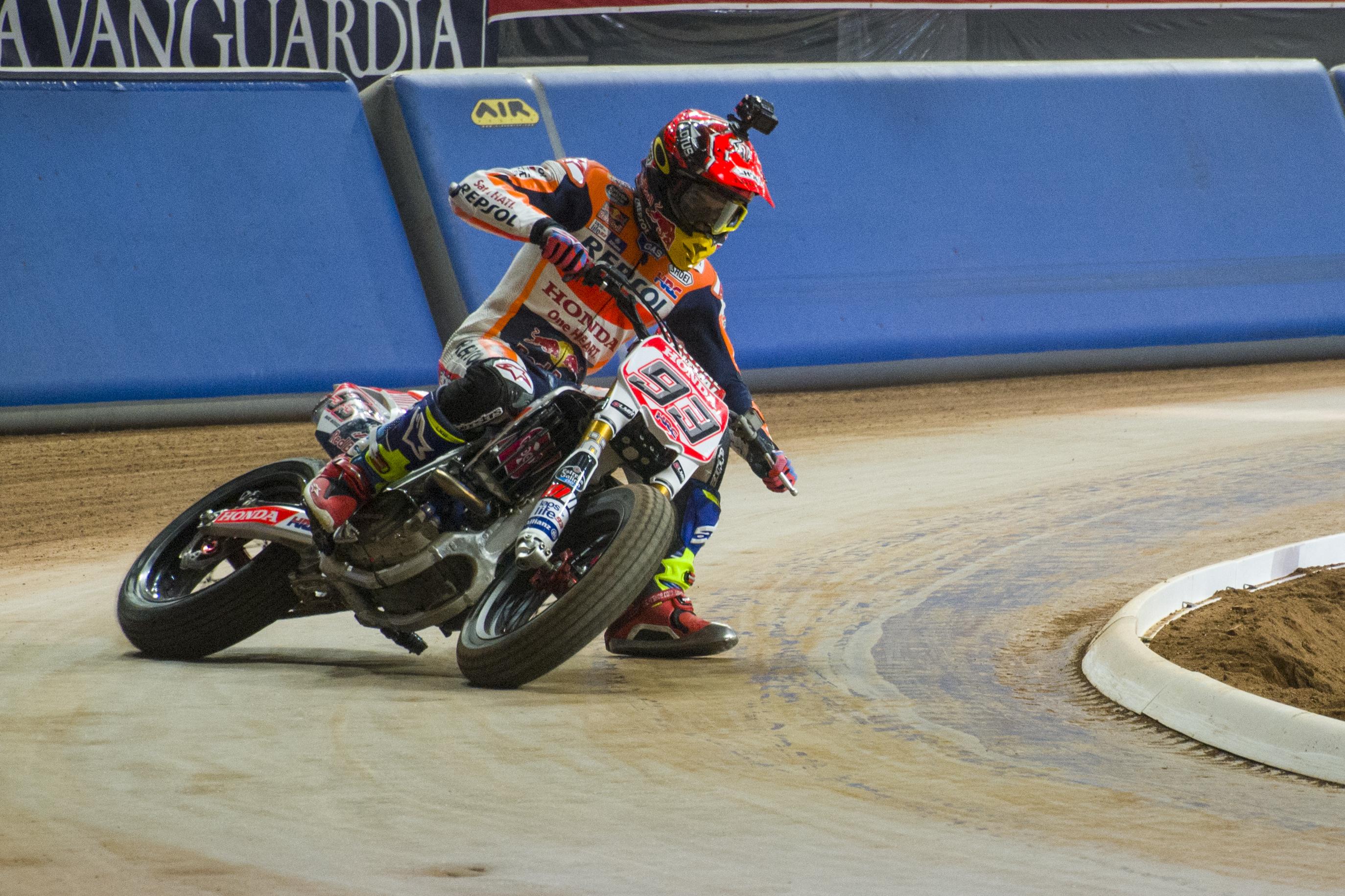 Marc en pole también en dirt track