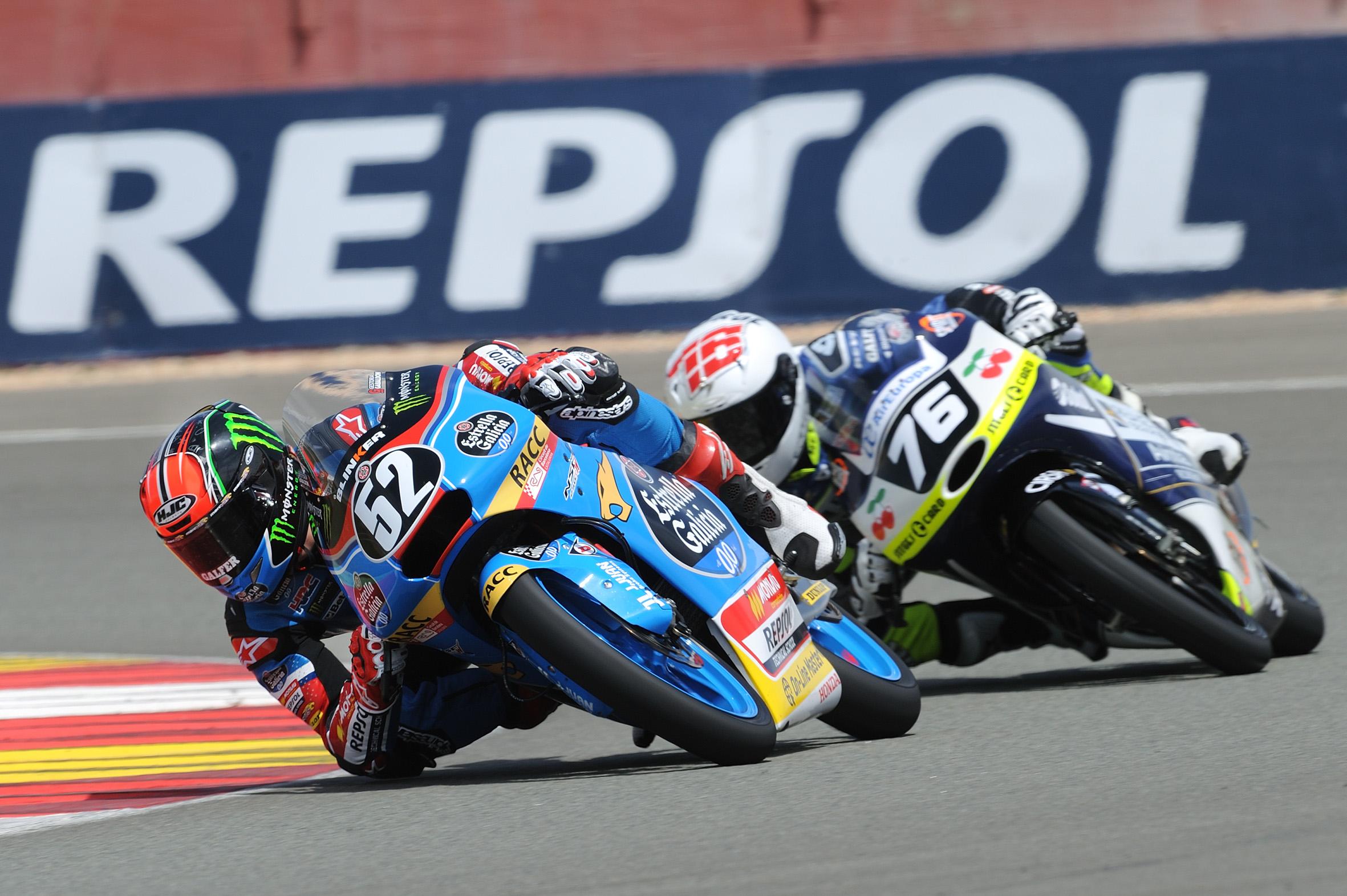 Jeremy Alcoba vence en la primera carrera del Mundial Junior de Moto3