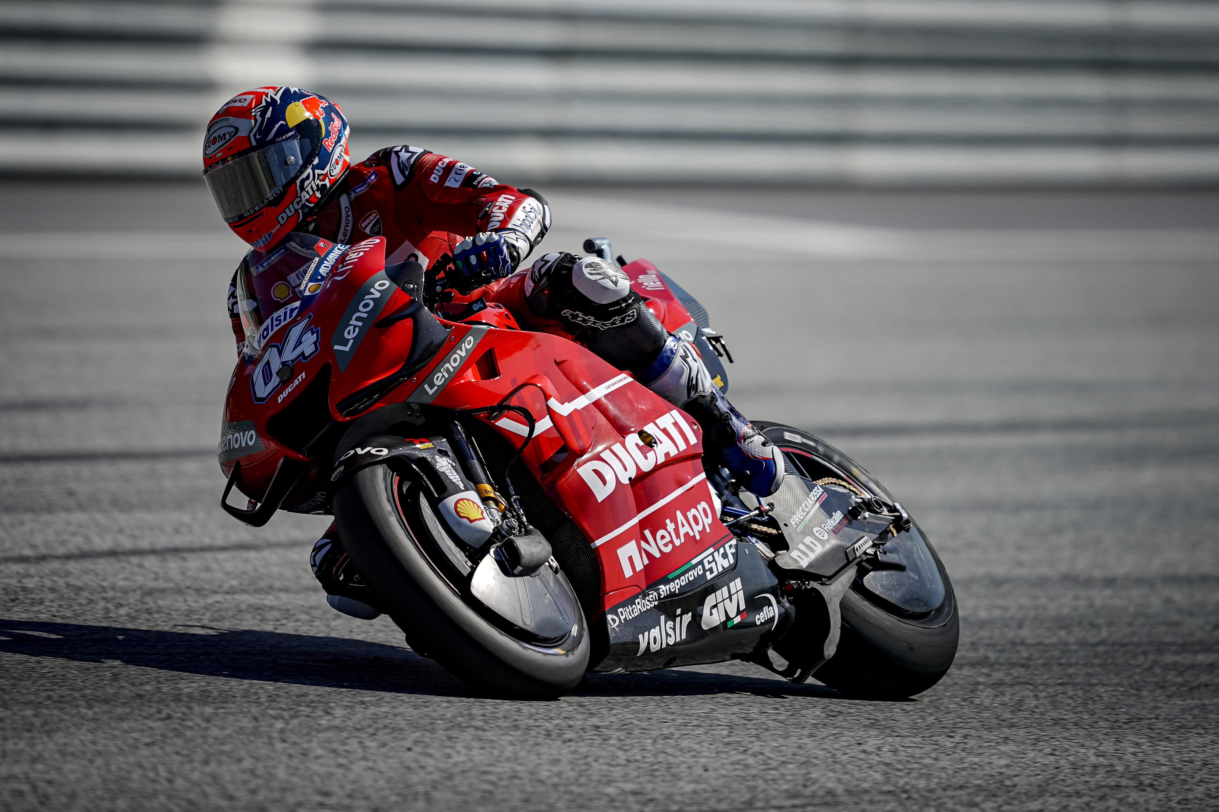 Andrea Dovizioso vence a Marc Márquez un espectacular mano a mano en Austria