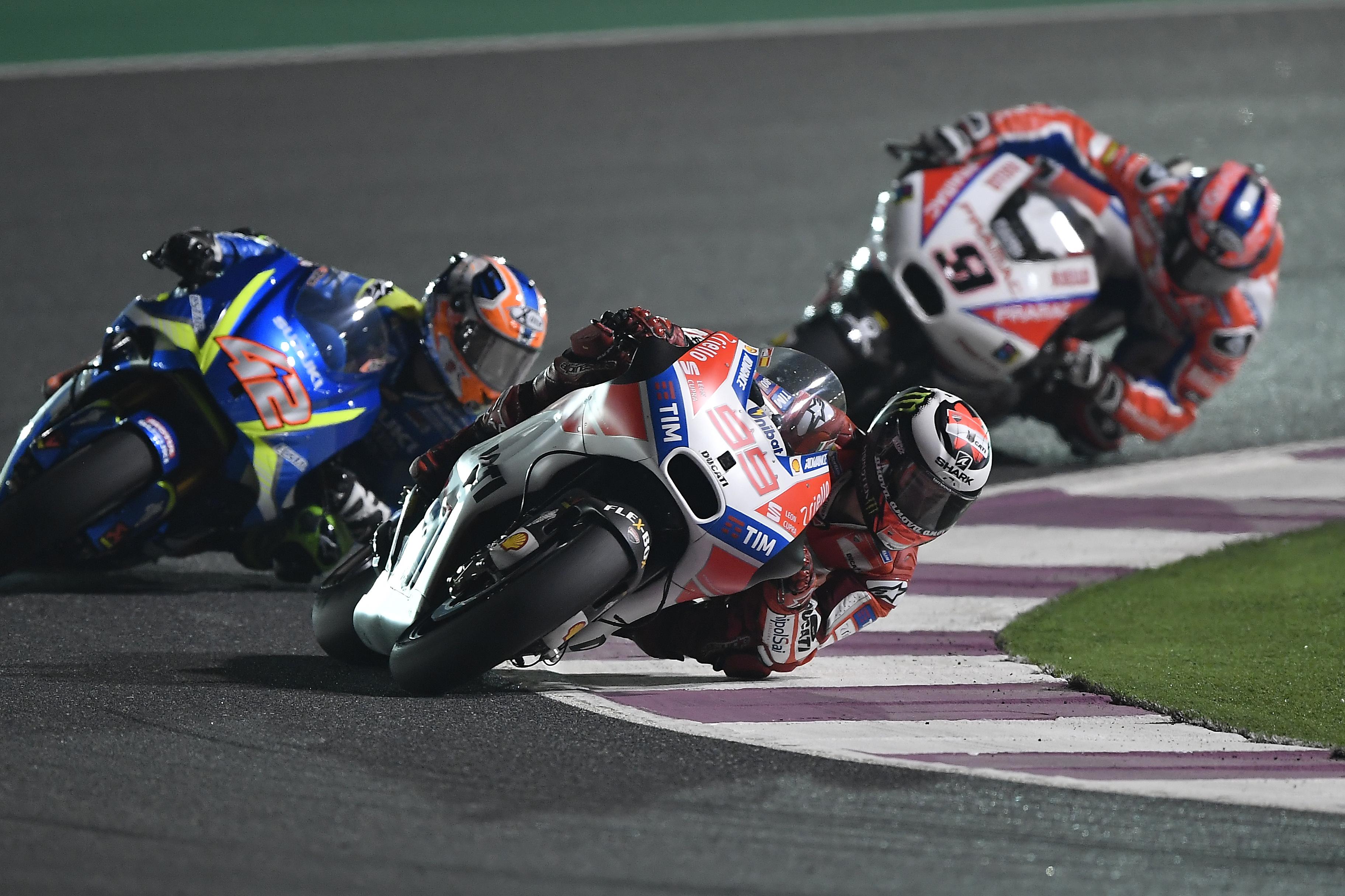 Lorenzo sufrió en su estreno con Ducati