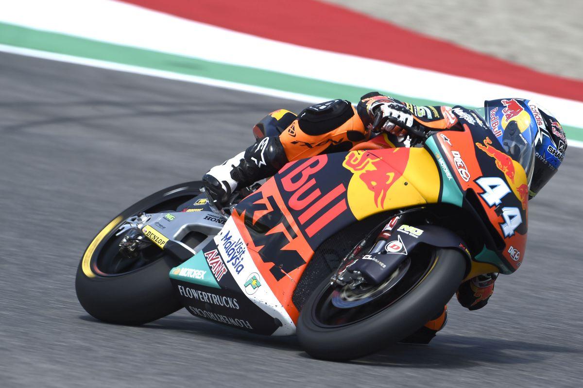 Miguel Oliveira se lleva una animada carrera de Moto2. Joan Mir en su segundo podio consecutivo