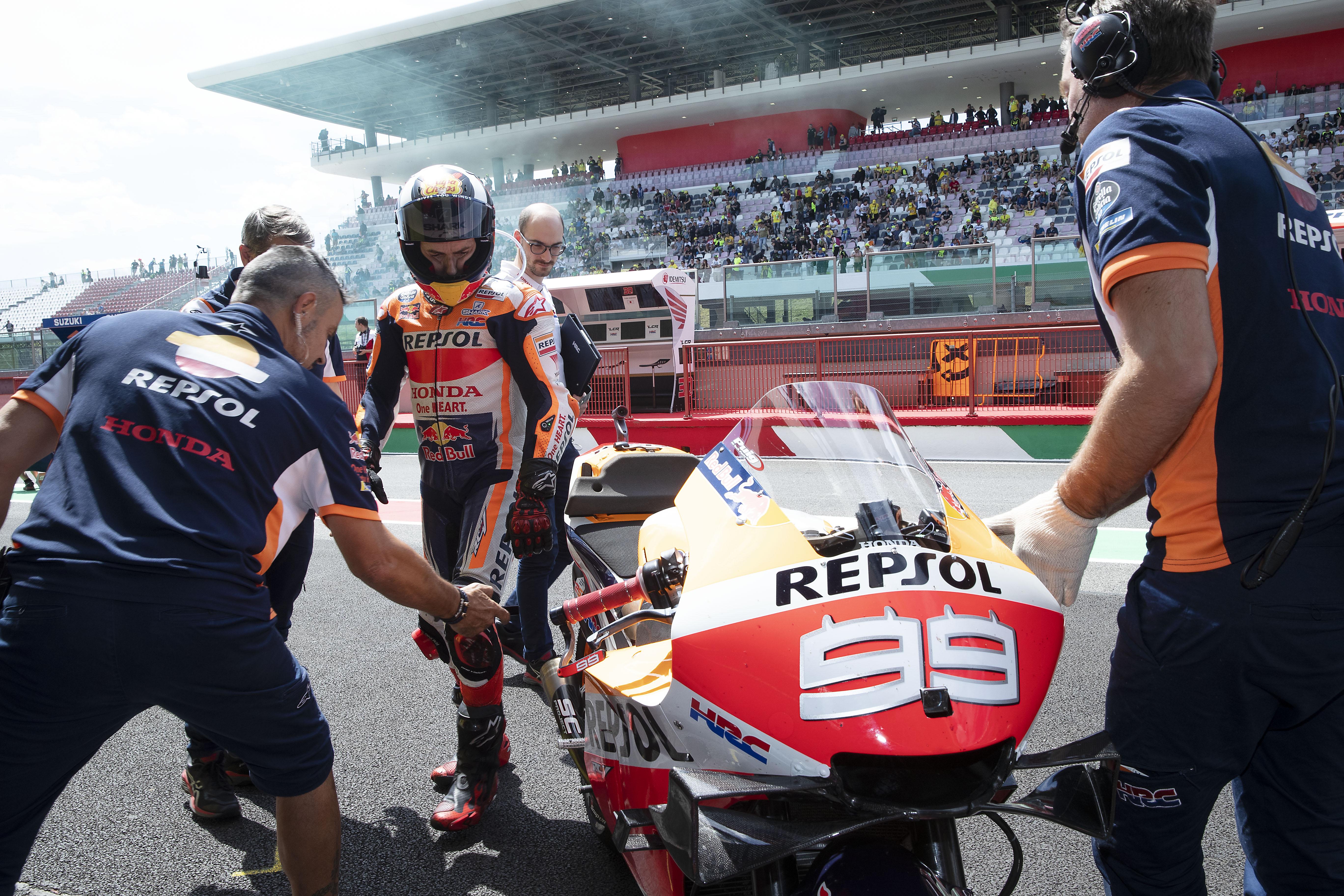 Honda descubre problemas técnicos en la moto de Jorge Lorenzo, que exige cambios