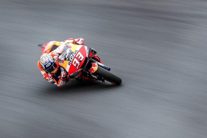 Marc Márquez logra su primera pole en Motegi rodeado de tres Yamaha